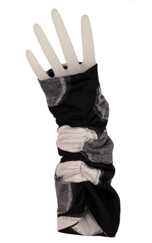 Ruched Fingerless Gloves in Puddle