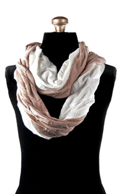 Infinity Scarf in Fan Dance in Cloud with Dusty Rose