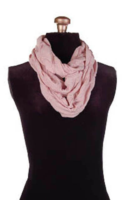 Infinity Scarf in Fan Dance in Dusty Rose
