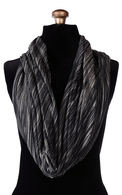 Wide Infinity Scarf in Heatwaves in Cool of the Night